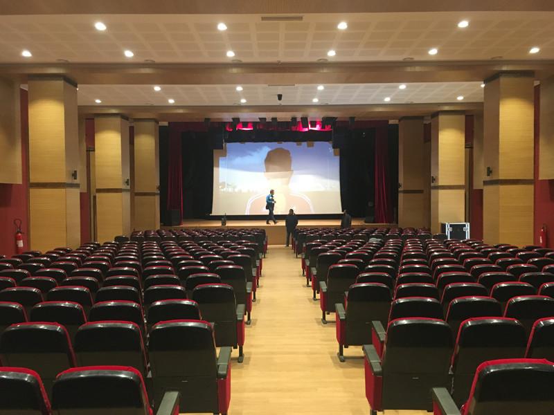 het theater waar de conferentie gaat plaatsvinden in Rabat